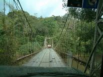 Hängebrücke im Nationalpark von Costa Rica