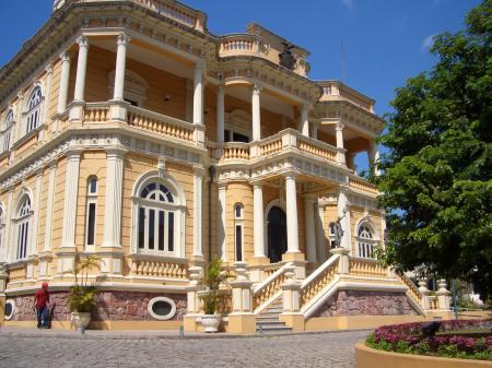 Der Rio Negro Palast in Manaus