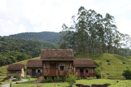 Typische Landschaft im Vale Europeu im Bundesstaat Santa Catarina