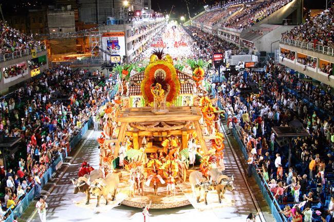 Karnevalswagen in Rio