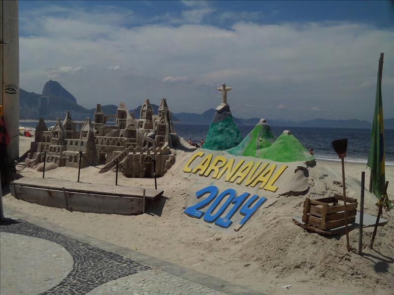 Karneval Sandburg an der Copacabana in Rio de Janeiro