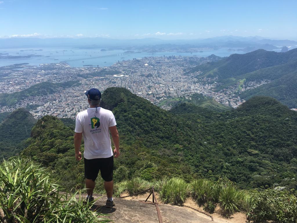 Guide von Aventura do Brasil blickt über Rio