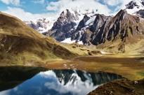 Bergsee in den peruanischen Anden