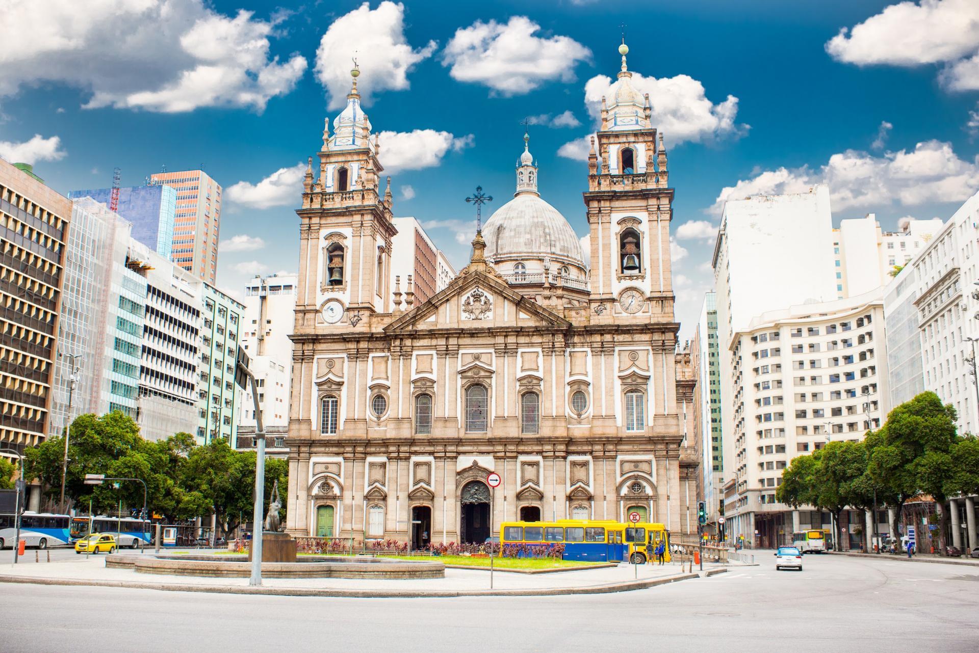 Prachtvolle Kirche im kulturellen Zentrum von Rio de Janeiro
