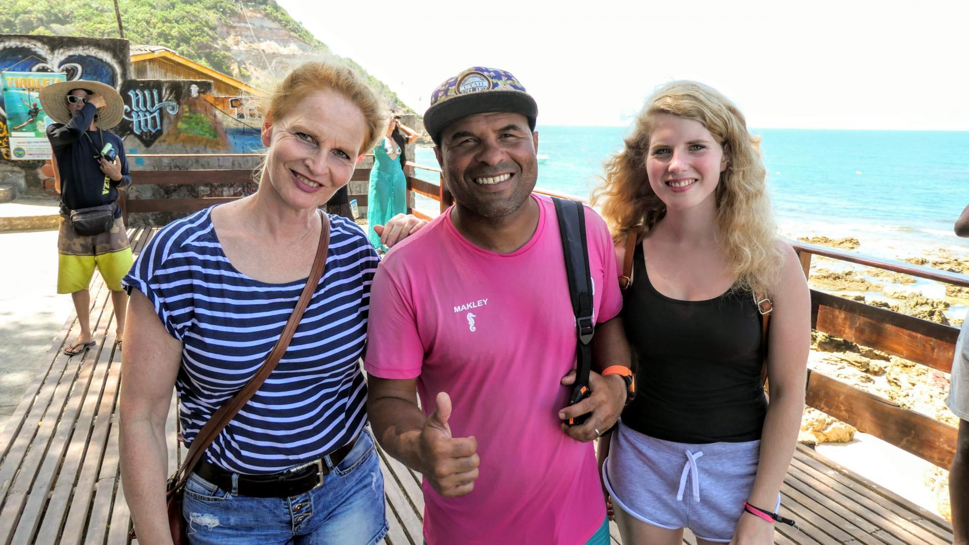 Reisesicherheit: Ist Brasilien gefährlich? Zwei glückliche Urlauberinnen