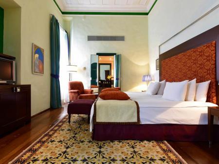Hotel Convento do Carmo Zimmerbeispiel