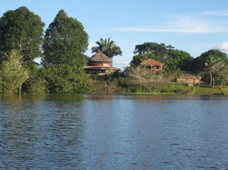 Ankunft am Ufer der Turtle Lodge