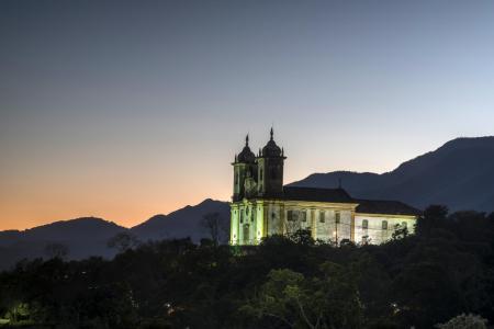 Brasilien, Minas Gerais: Nachtaufnahme von Ouro Preto