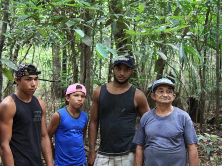 Einheimische Bewohner des Amazonasgebietes