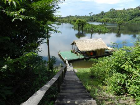 Sicht auf den Anleger der Turtle Lodge