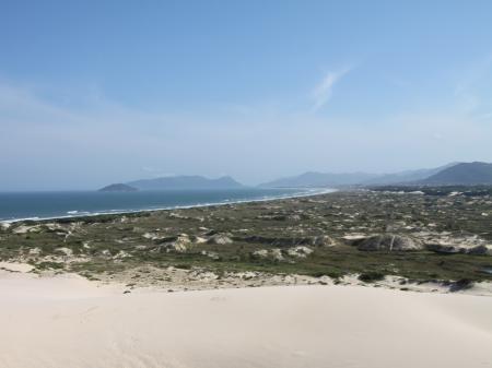 Blick entlang der Ostküste von Florianopolis