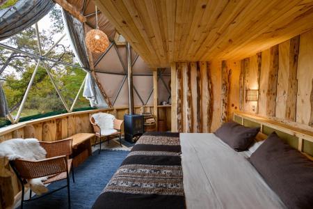 Erleben Sie eine komfortable Unterkunft im EcoCamp Patagonia auf Ihrer Chile Reise
