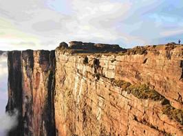 Kliff de Tepui Roraima bei einer Reise durch Venezuela.