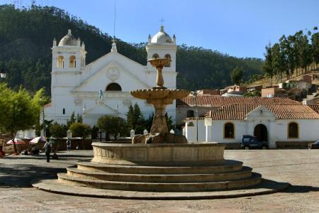 Besuchen Sie die idyllische Kirche La Recoleta auf einer Reise durch Bolivien