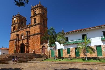 Besichtigen Sie die kolonialen Bauten und Kirchen der kleinen idyllischen Dörfer Kolumbiens
