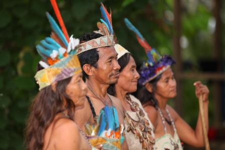 Die indigene Bevölkerung des Amazonasgebiets in Kolumbien besuchen und die Bräuche kennenlernen