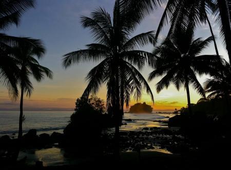 Den wunderschönen Sonnenuntergang der Pazifikküste im idyllischen Ort Nuqui erleben