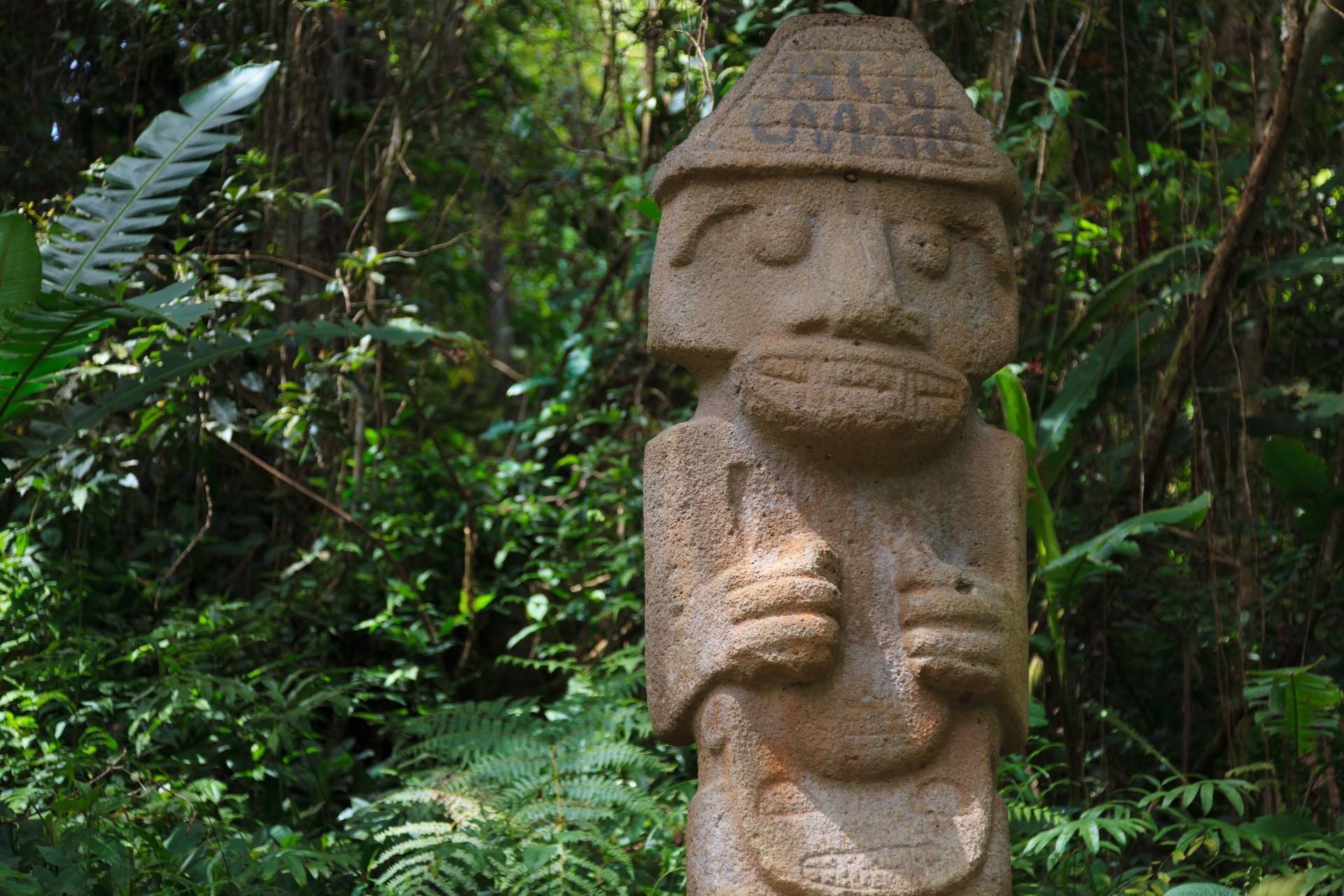 Besichtigen Sie die kulturellen Schätze der Ausgrabungsstätte San Agustin auf einer Rundreise in Kolumbien