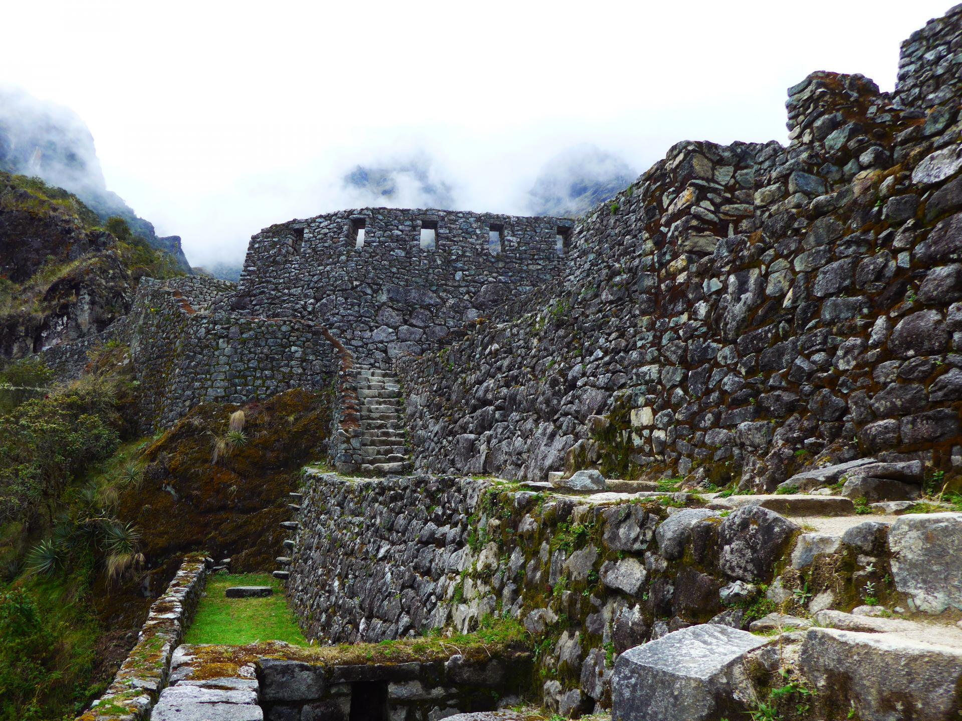Entdecken Sie Machu Picchu in Peru und unternehmen Sie eine Wanderung durch die Anden
