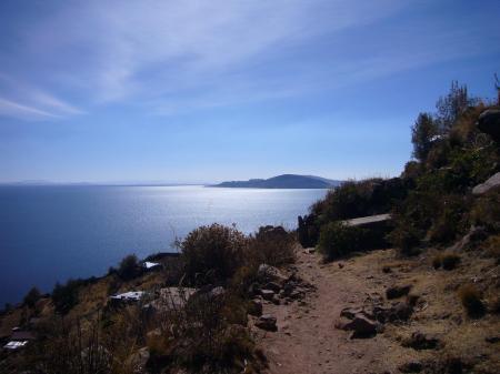 Auf dem Titicaca See in Peru besuchen Sie alte Kulturen und erleben den die Schönheit des Sees hautnah