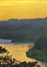 Der Fluss Napa im Regenwald in Ecuador bei einer Reise