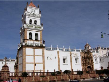 Begeben Sie sich auf einer Stadtführung durch die bolivianische Hauptstadt