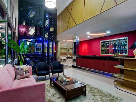 Hotel Wyndham Golden Foz Suites Bar