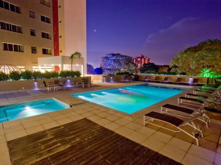 Hotel Wyndham Golden Foz Suites Pool