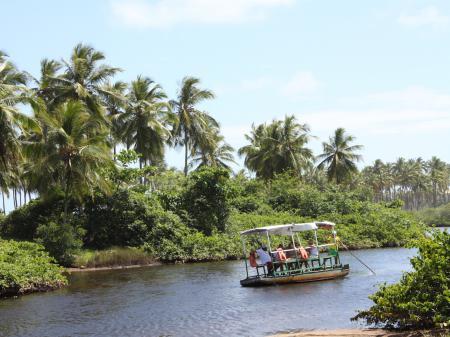 Überquerung des Flusses im Imbassai
