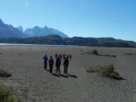 Begeben Sie sich auf einer Wanderung zum Lake Gray auf einer Rundreise in Argentinien und Chile