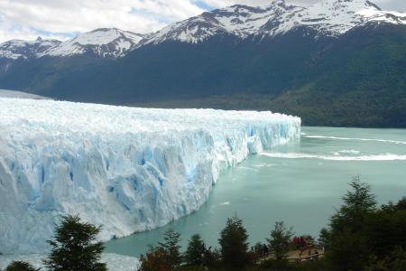 Begeben Sie sich auf den einmaligen Ausflug zum Gletscher Perito Moreno in Patagonien
