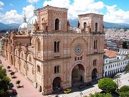 Die imposante Kathedrale in Cuenca auf einer Rundreise druch Ecuador
