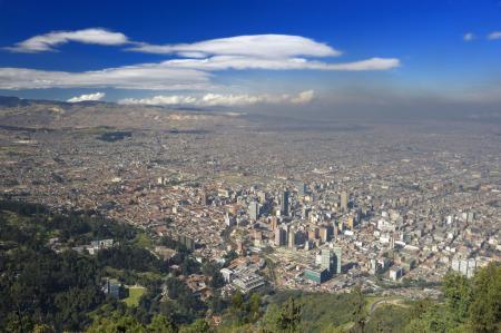 Die kolumbianische Hauptstadt Bogota auf einer Stadttour vom Aussichtspunkt aus betrachten