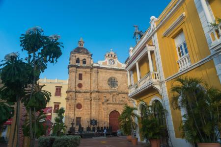 Auf einer Stadtrundfahrt die Sehenswürdigkeiten des kolonialen Cartagenas entdecken