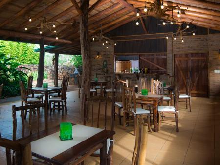Hotel La Aldea de la Selva Bar