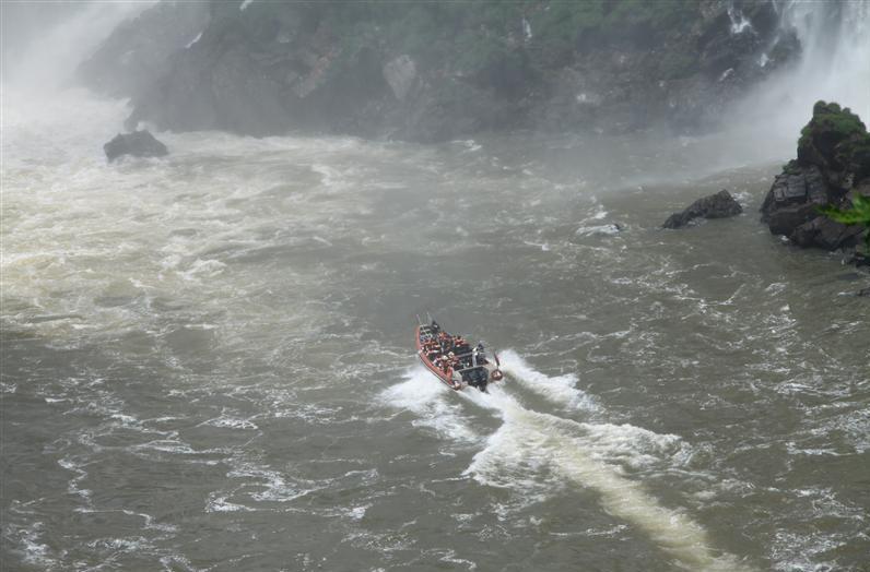 Boat Safari2