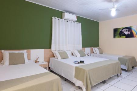 Landestypische Unterkunft Pousada Rio Claro Appartment 1 in grün