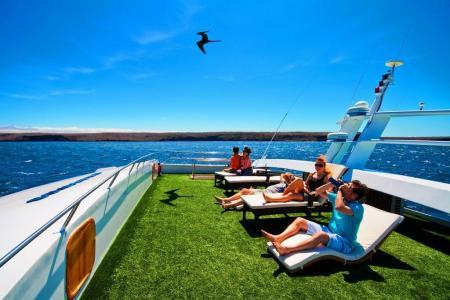 Begeben Sie sich auf eine Kreuzfahrt auf der Anahi Yacht in Ecuador
