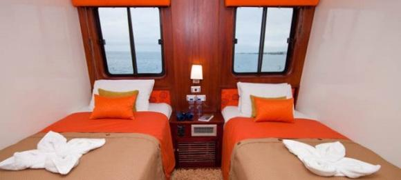 Deck auf der Anahi Yacht bei einer Reise durch Ecuador auf dem Weg zu den Galapagos Inseln im Pazifik