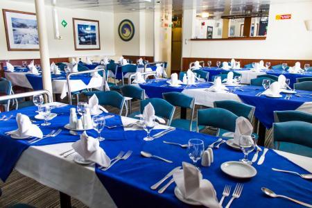 Erleben Sie einen komfortablen Aufenthalt auf dem Kreuzfahrtschiff Ushuaia