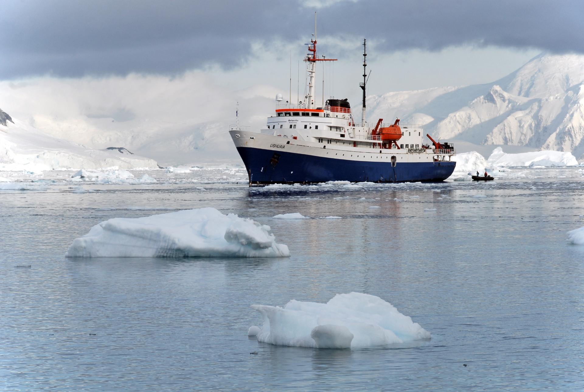Begeben Sie sich auf eine Antarktis Kreuzfahrt auf der Ushuaia