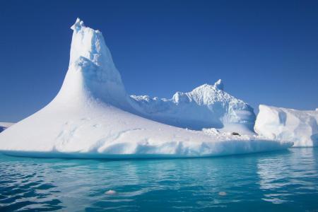 Auf dieser Antarktis Kreuzfahrt gelangen Sie in eine zauberhafte Welt aus Eis