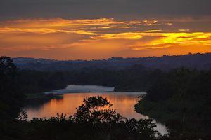 Reise Ecuador Regenwald Yacuma Sonnenuntergang See