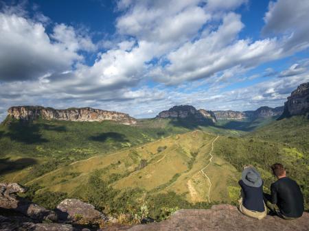 Gäste bestaunen die Aussicht in der Chapada Diamantina
