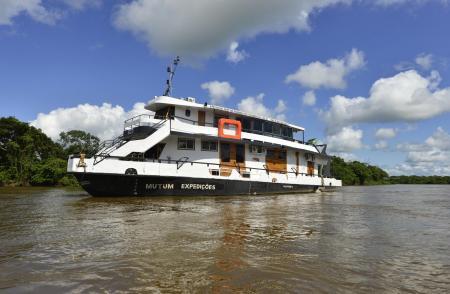 Expeditionsschiff Mutum im Nord Pantanal