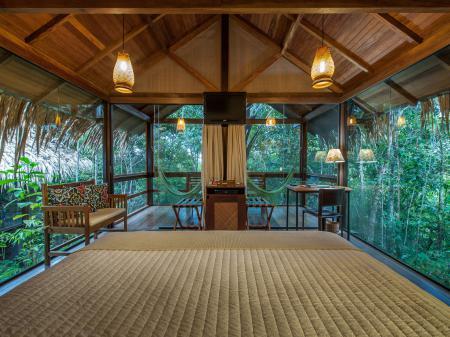 Komfortabler Bungalow der Anavilhanas Lodge mit Ausblick in den Regenwald