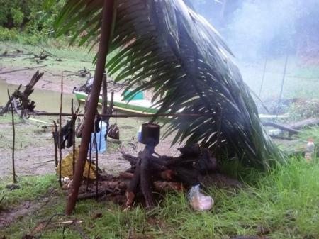 Geschützte Outdoor-Küche im Amazonasgebiet