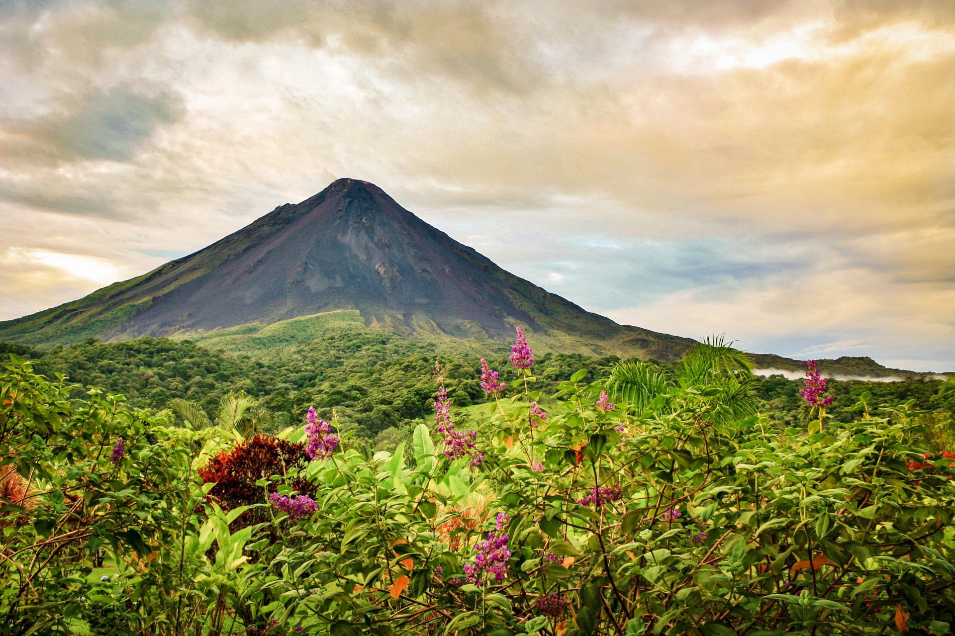 Auf Ihrer Reise nach Costa Rica erleben Sie das wunderschöne Land und seine Landschaften
