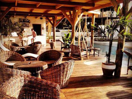 Hotel Hurricane Jeri Bar und Terrasse