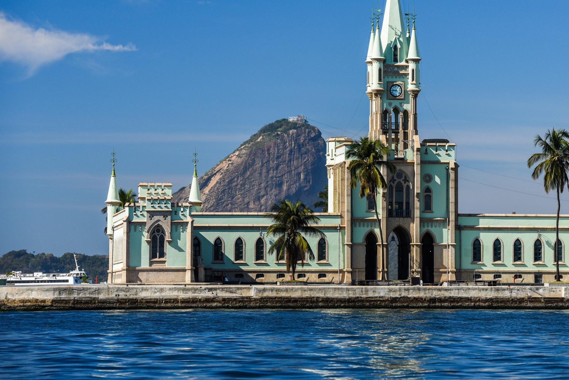 Tagestour Bootsfahrt Guanabara Bucht Blick auf Ilha Fiscal